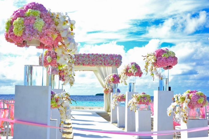 beach wedding decorations flowers